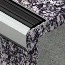 Lajsna za zaštitu ivice stepeništa sa kanalom od aluminijuma dimenzija 40x30mm